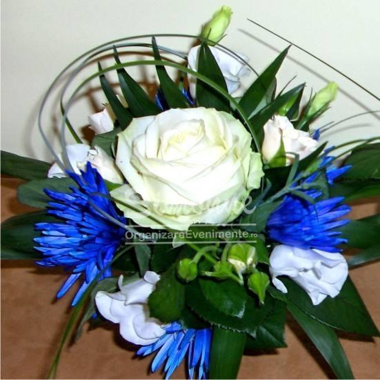 Aranjament Floral Alb Albastru